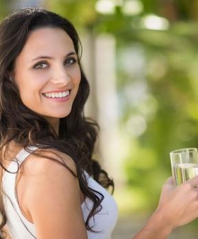 Acqua minerale per la digestione